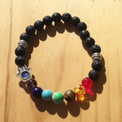 Bracelet d'harmonisation des 7 chakras avec main de Fatma pierre de lave